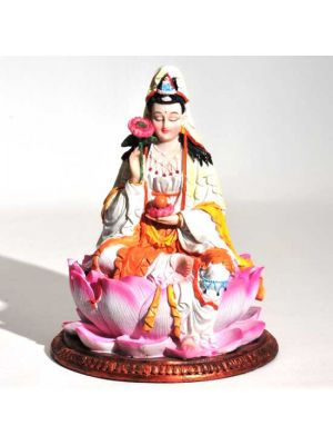 Polyresin Quan Yin on a Lotus 8